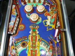 Bally Captain Fantastic - Playfield Middle